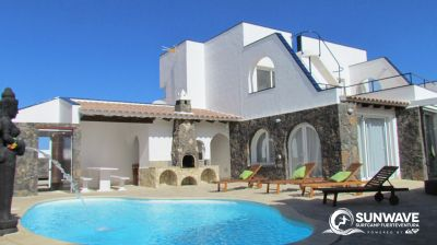 Surf Resort Corralejo,Pool,Inner courtyard BBQ and Villa